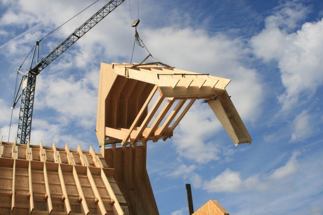 Construction d'une habitation en LVL avec toiture complète en bardage bois