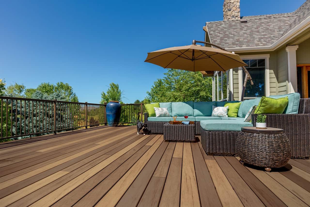 installing composite decking