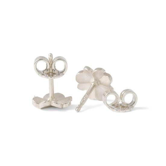 Kleine silberne Ohrstecker aus der Kollektion Herzblatt