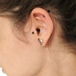 tragus-piercing-and-lobe-piercing-with-love-stud