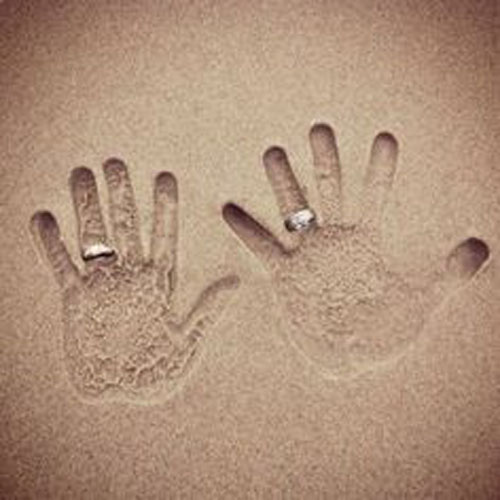 Beach Wedding Ideas - Hand prints in the Sand