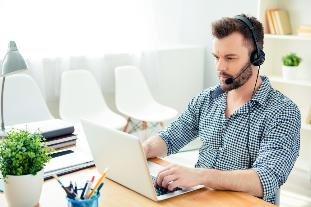 10 Pros and Cons of Hiring Remote Call Center Agents