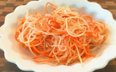 Sweet & Sour Pickled Daikon & Carrots