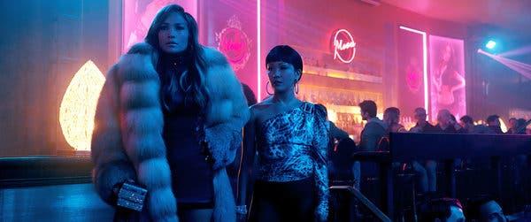 Jennifer López y Constance Wu en Hustlers
