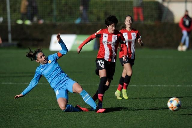 Erika Vázquez asiste a Lucía García/Athletic Club