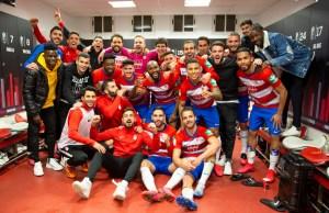 El equipo celebrando el pase a semifinales