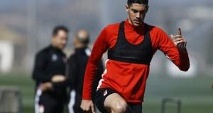 Carlos Fernández preparándose para el próximo partido