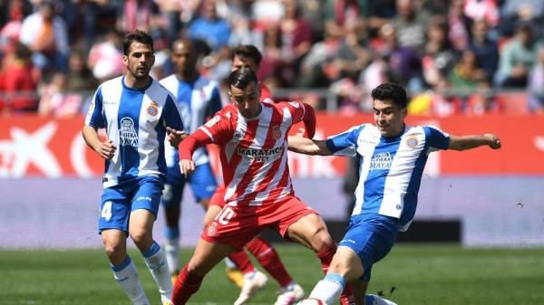 Borja García frente el Espanyol en Montilivi