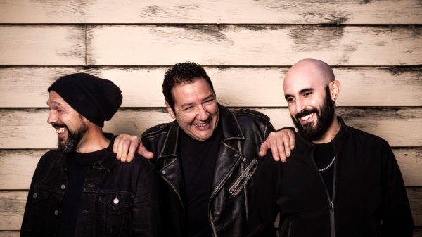 Foto promocional de Revolver 'Apolo Tour'