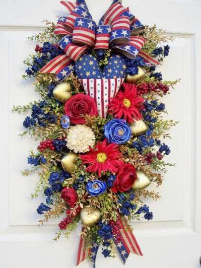 Unique Wreaths & Swags