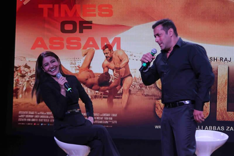 Salman Khan and Anushka Sharma at trailor launch of SULTAN