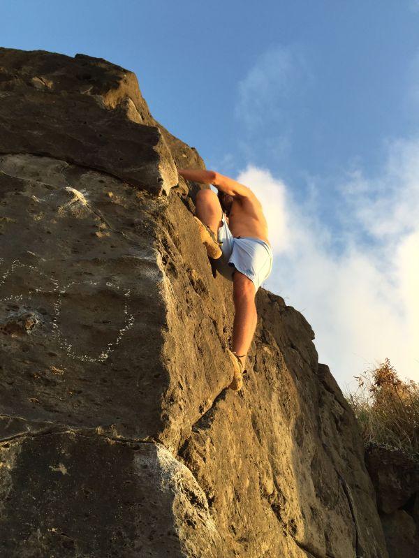 Bouldering In Hawaii North Shore Of Oahu