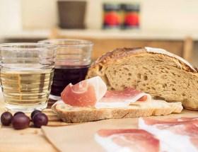 Picknicken in de wijnbar in Frascati