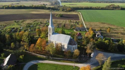 Nissi Maarja kirik, aerofoto, 100m pealt