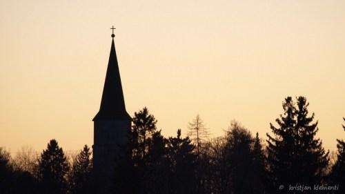Õhtu siluett, Kullamaa kirik