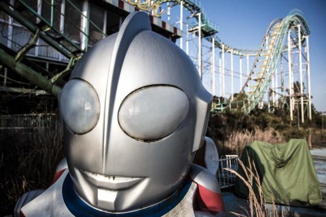 Нара Dreamland, заброшенный тематический парк, Нара, Япония робот