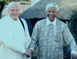 Tim Knight with Nelson Mandela at the former South African President's 83rd birthday celebration, Johannesburg, July 18, 2001 The picture was taken outside the house where Mandela died last week.