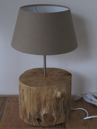 Boomstronk lamp  Timmermuis