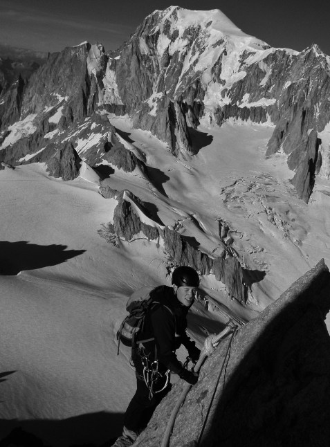 Last bit of rope shenanigans to the Dent du Geant summit