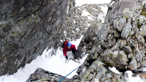 Central Gully Rhand on good snice!