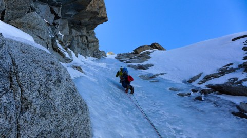 Climbing to the Breche between the Grande and Petit Dru summits