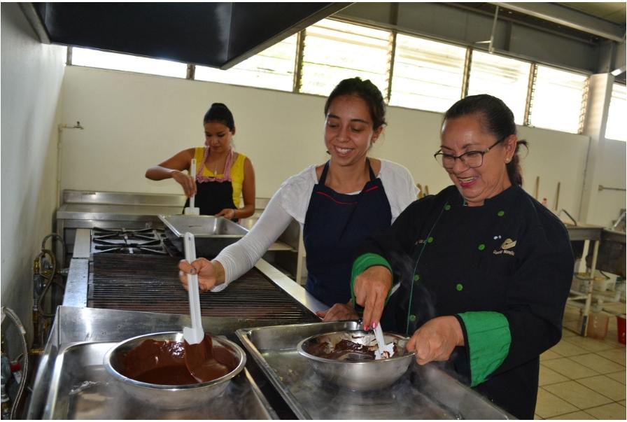 Conalep Michoacán y Seimujer capacitaron a mujeres emprendedoras de tres municipios