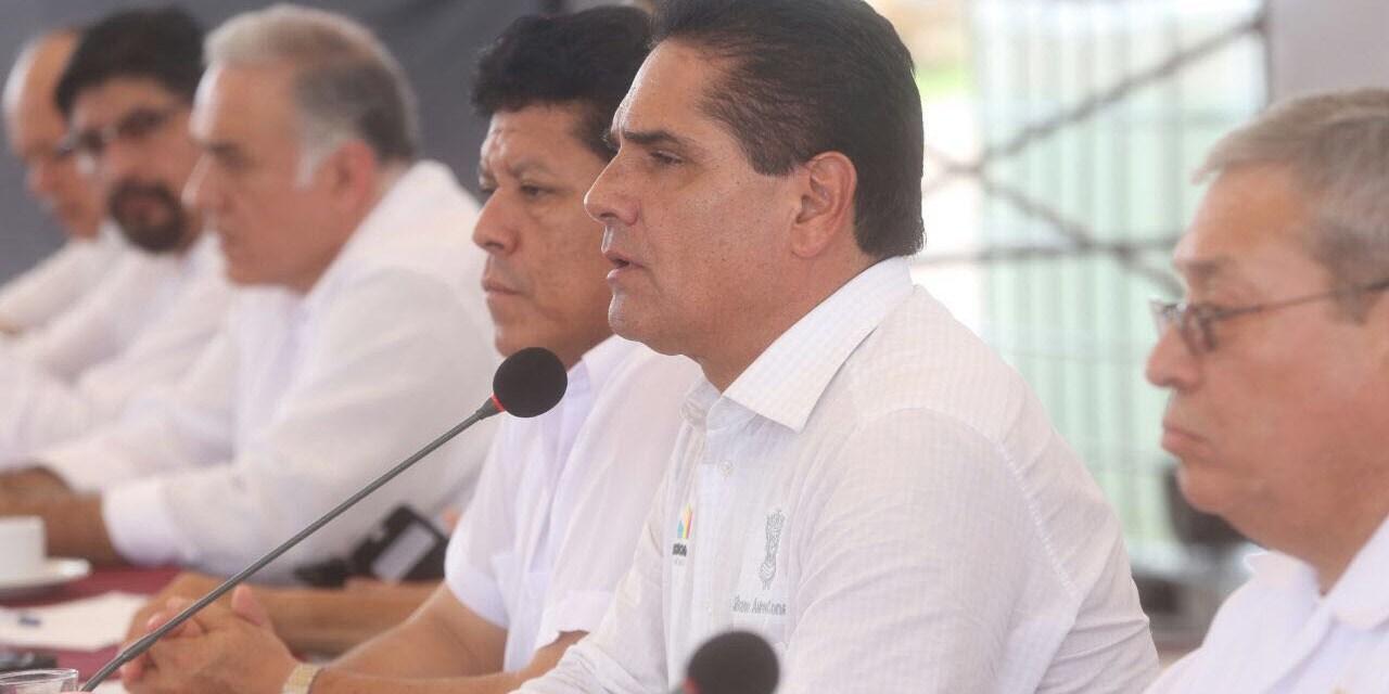 Avanza desarrollo económico y social de Lázaro Cárdenas: Gobernador