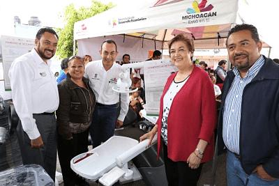 Entregan apoyos a proyectos productivos morelianos en la Caravana #CercaDeTi