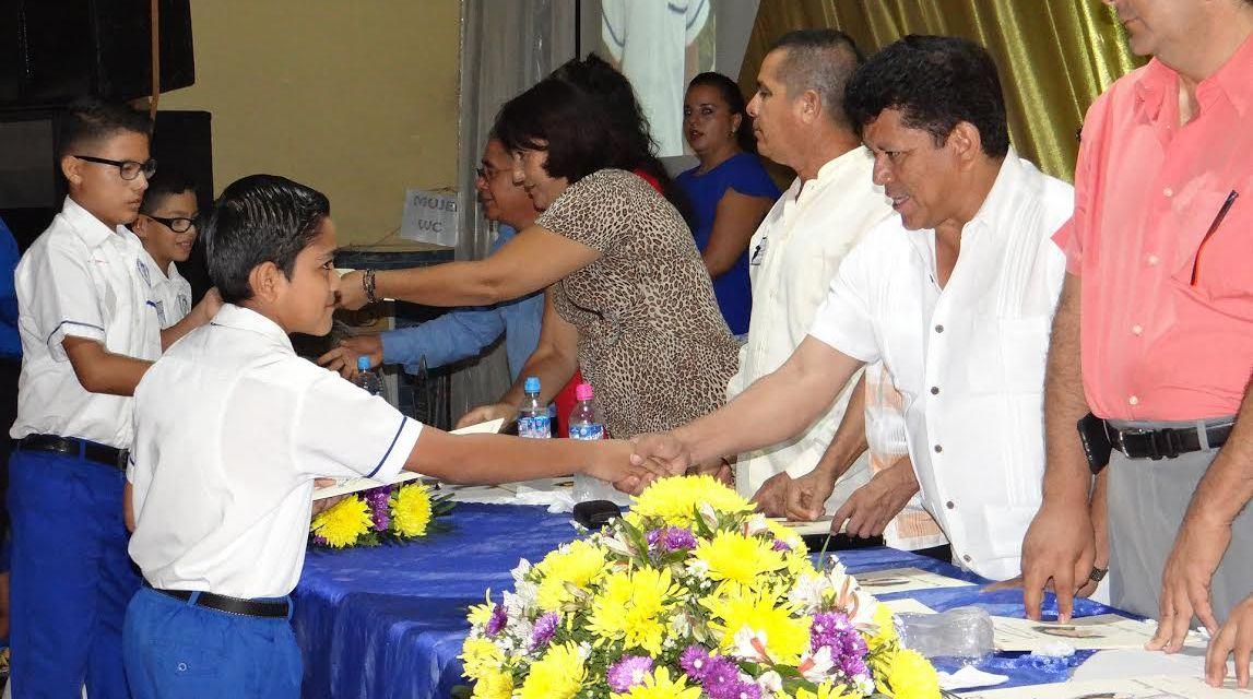 La educación forja mejores ciudadanos: Alcalde