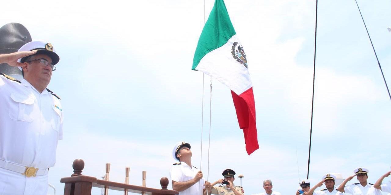 """Encabeza Adrián López en el abanderamiento del Buque """"Panamax Energy"""""""