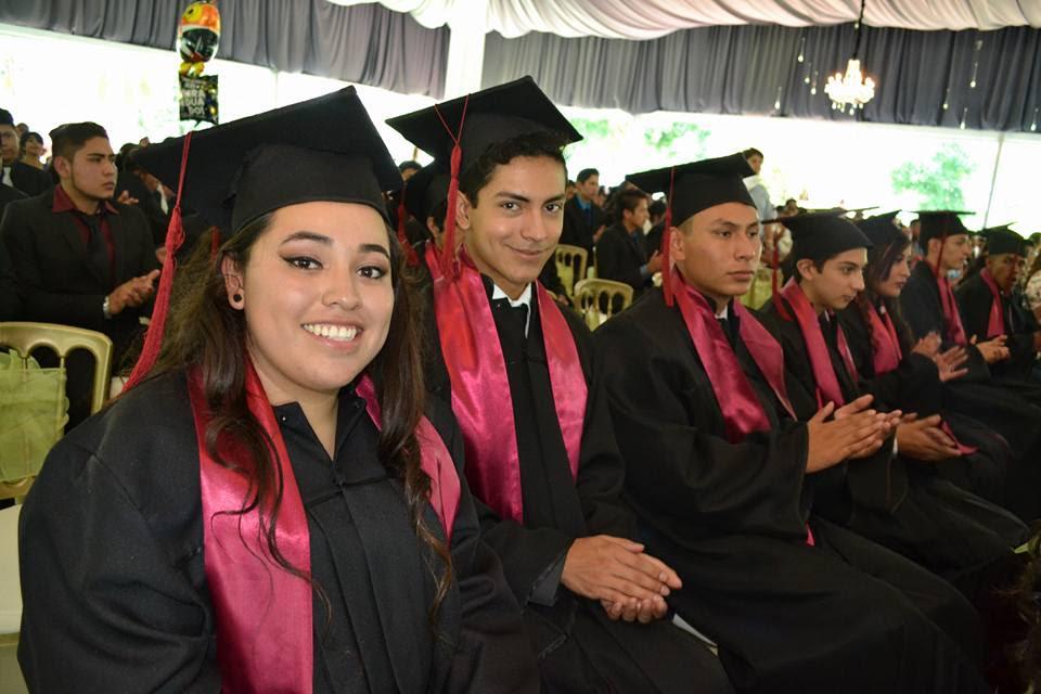 Egresan casi 2 mil 600 estudiantes de las 12 carreras del Conalep Michoacán