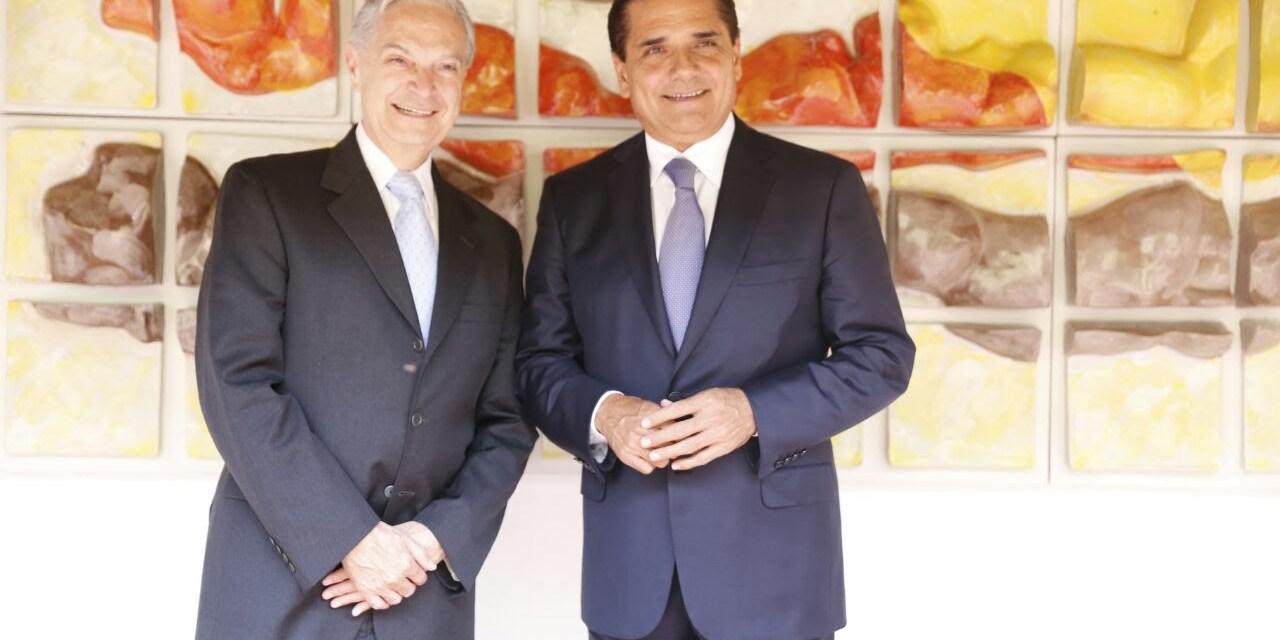 Busca Gobernador alianzas para fortalecer educación en Michoacán