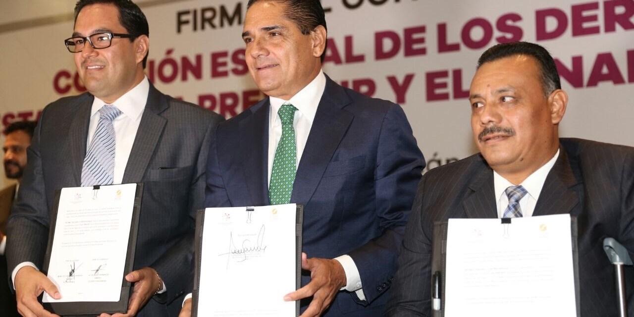 Refrenda Silvano Aureoles colaboración para erradicar discriminación y violencia en Michoacán