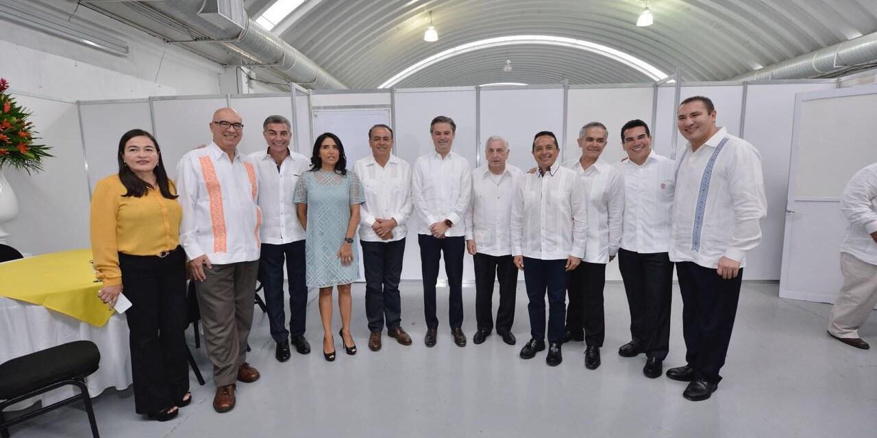 Acude Pascual Sigala a Informe del Gobernador de Tabasco