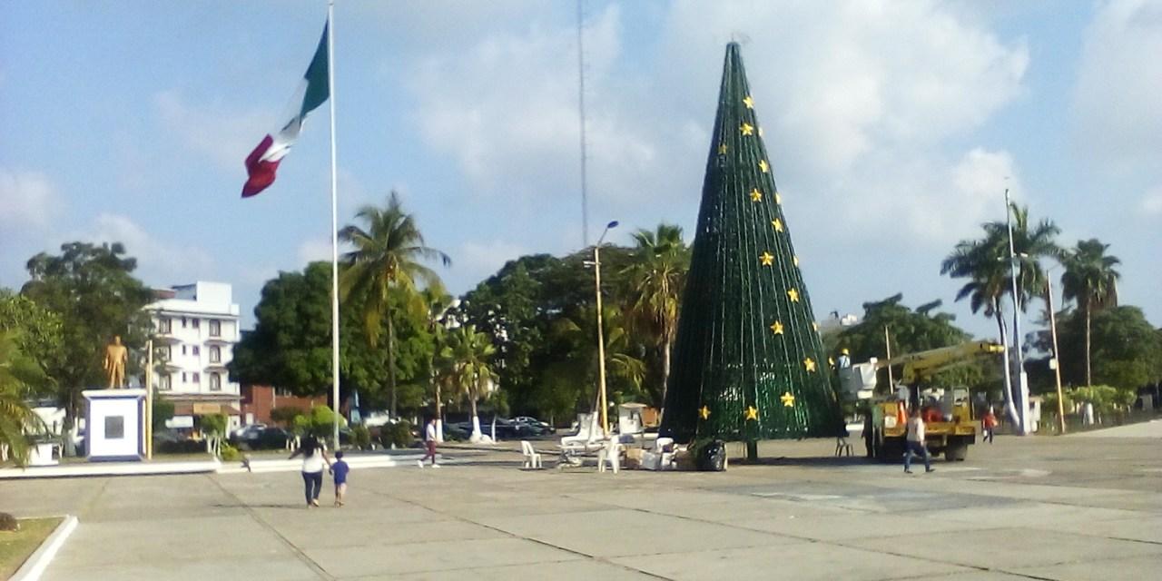 Gobierno Municipal invita al encendido del Árbol Navideño en Plaza Municipal este viernes