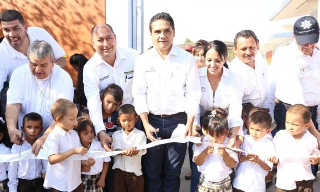 Rehabilitadas, 11 escuelas de La Ruana con más de 22 mdp: Silvano Aureoles