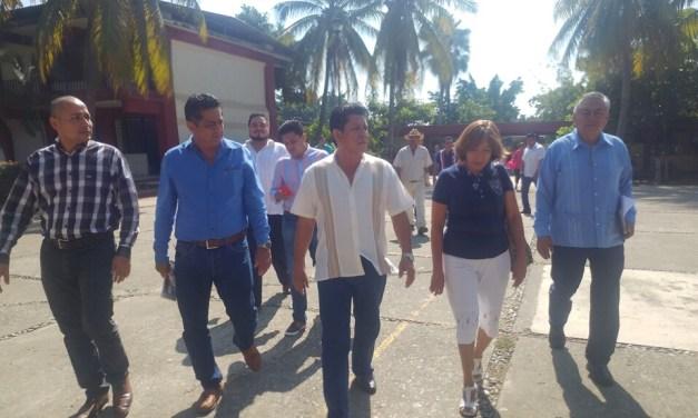 Apoya alcalde mejoras a Secundaria