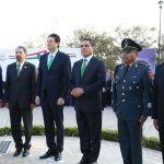 Encabeza Gobernador izamiento de la Bandera Monumental