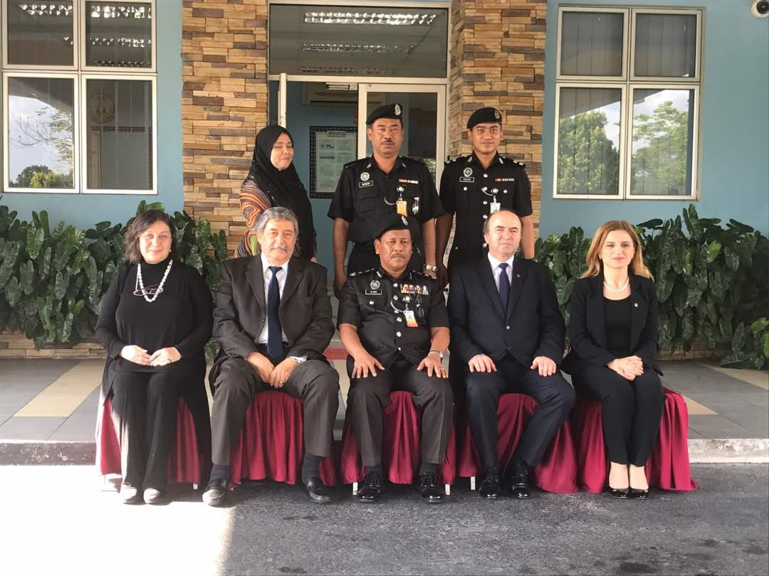 Intalnirea femeii din Malaezia