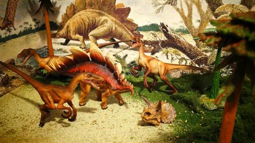 Dinosaur arts and crafts