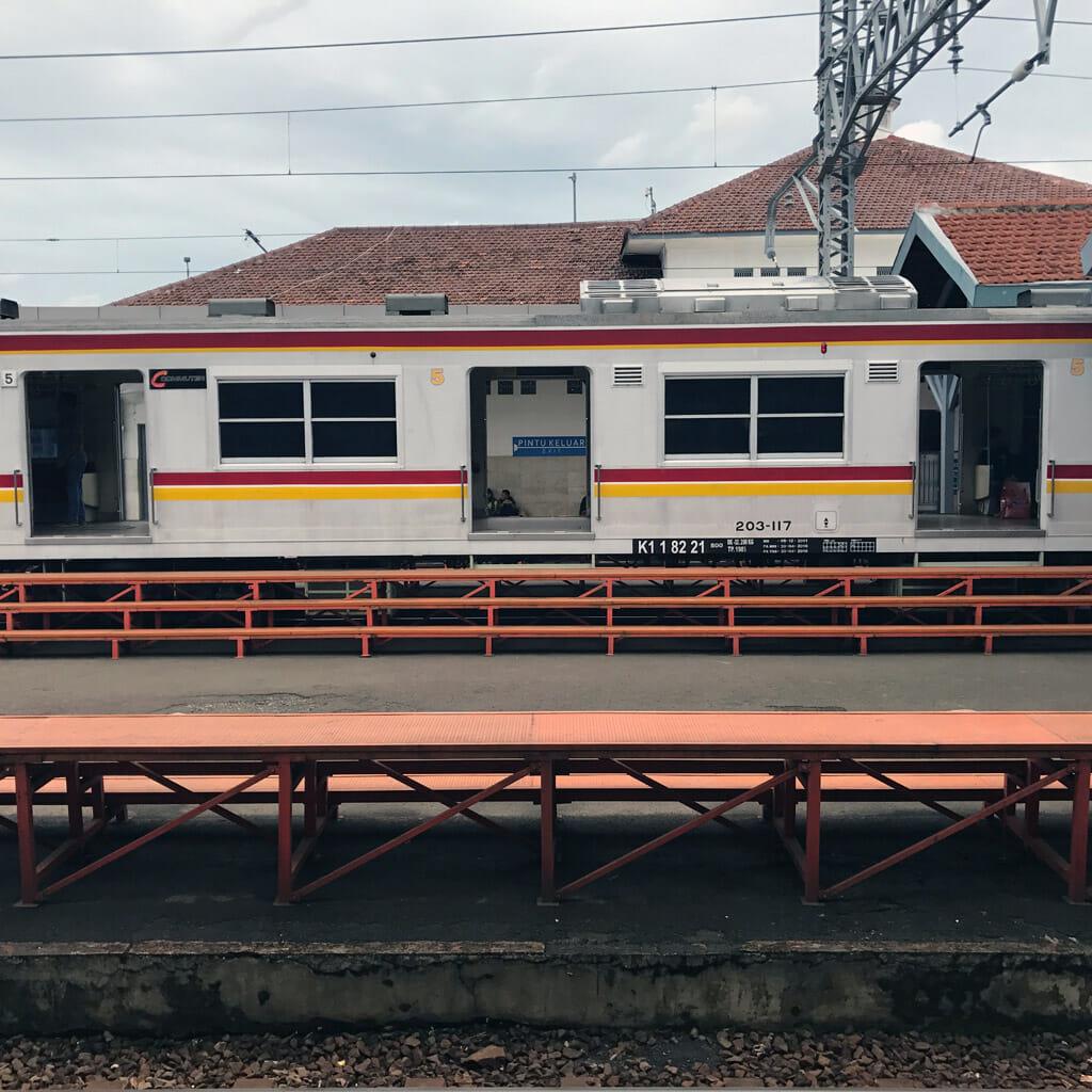 Jakarta-Station-Train-01