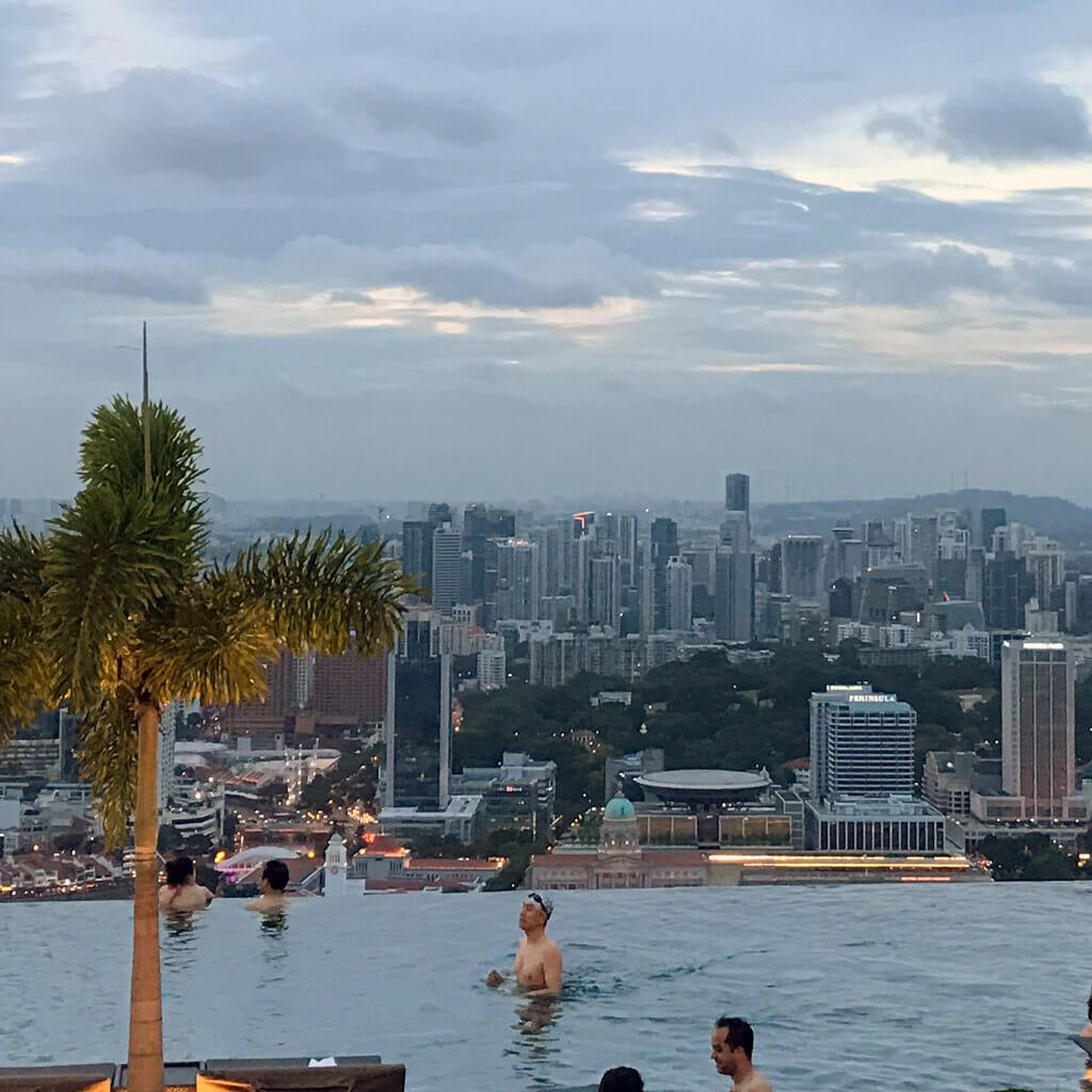 Singapore-Marina-Bay-Sand-Infitity-Pool-02