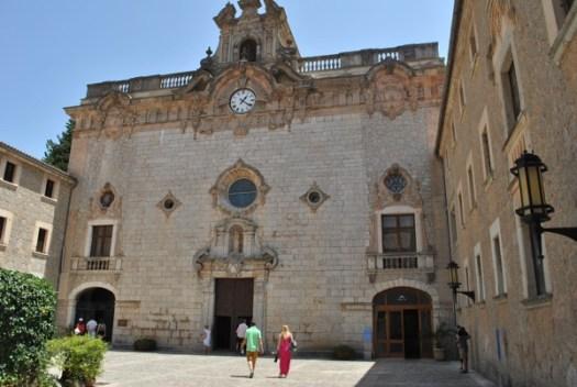 Kyrkan i Lluc