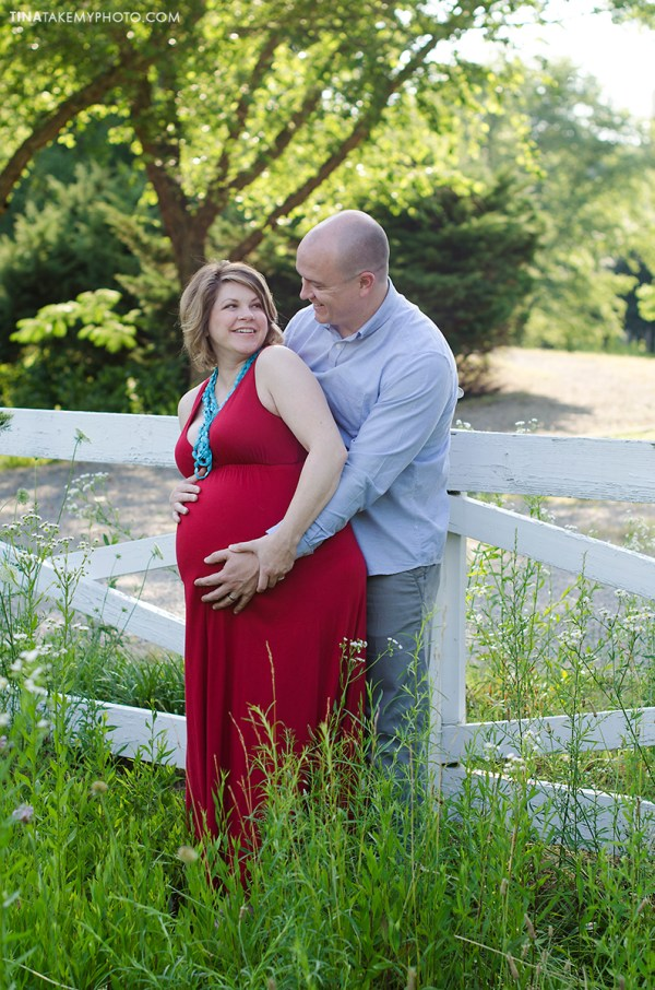 sunny-sweet-outdoor-country-maternity-photography-virginia (2)