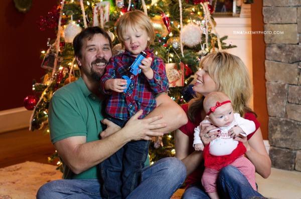 Richmond-Holiday-Christmas-Tree-Family-Portraits-Baby (2)