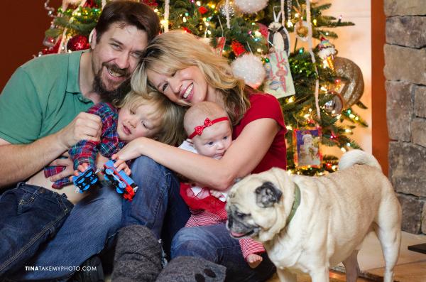 Richmond-Holiday-Christmas-Tree-Family-Portraits-Dog-Baby (4)