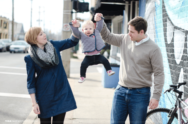 Richmond-RVA-Family-Photography-Session-The-Fan-Winter-City-Street-Mural-Baby-01