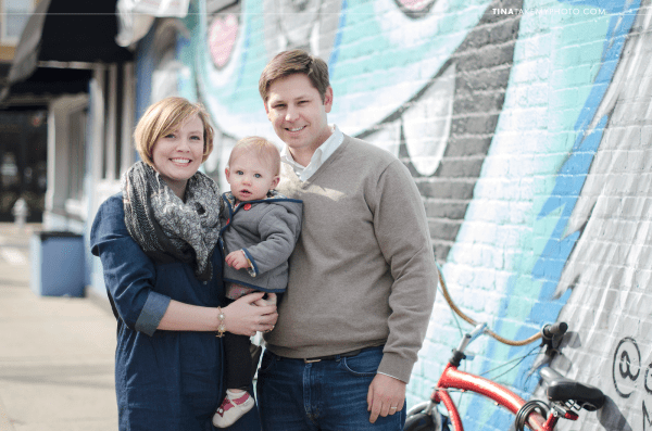 Richmond-RVA-Family-Photography-Session-The-Fan-Winter-City-Street-Mural-Baby-02