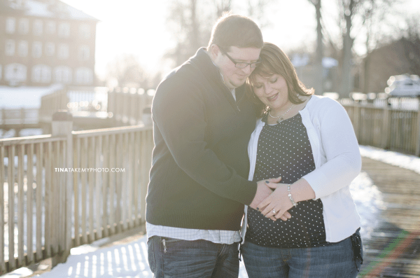 Have-De-Grace-Maternity-Maryland-Winter-Snow-Baby-Bump-Photographer-MD-VA (6)