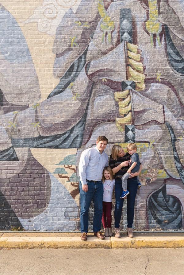 rva family photo shoot mural